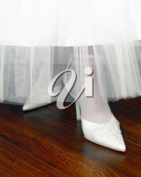wediihg white shoes for bride
