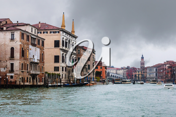 travel to Italy - palaces and Rialto Bridge on Grand Canal in Venice city in rainy autumn day