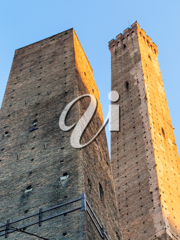 travel to Italy - Two Towers (Due Torri) in Bologna city
