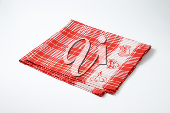 red and white checkered dish towel